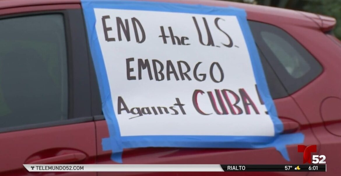 Car Caravan Calls to Allow Medical Help From Cuba